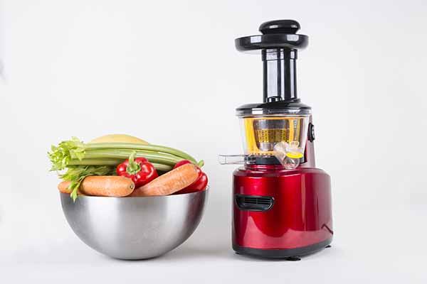 Centrifugal juicers